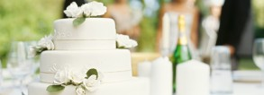 Saving-top-tier-of-your-wedding-cake