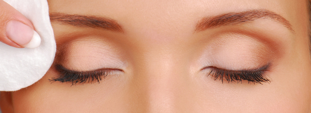 The 5 Best Eye Makeup Removers