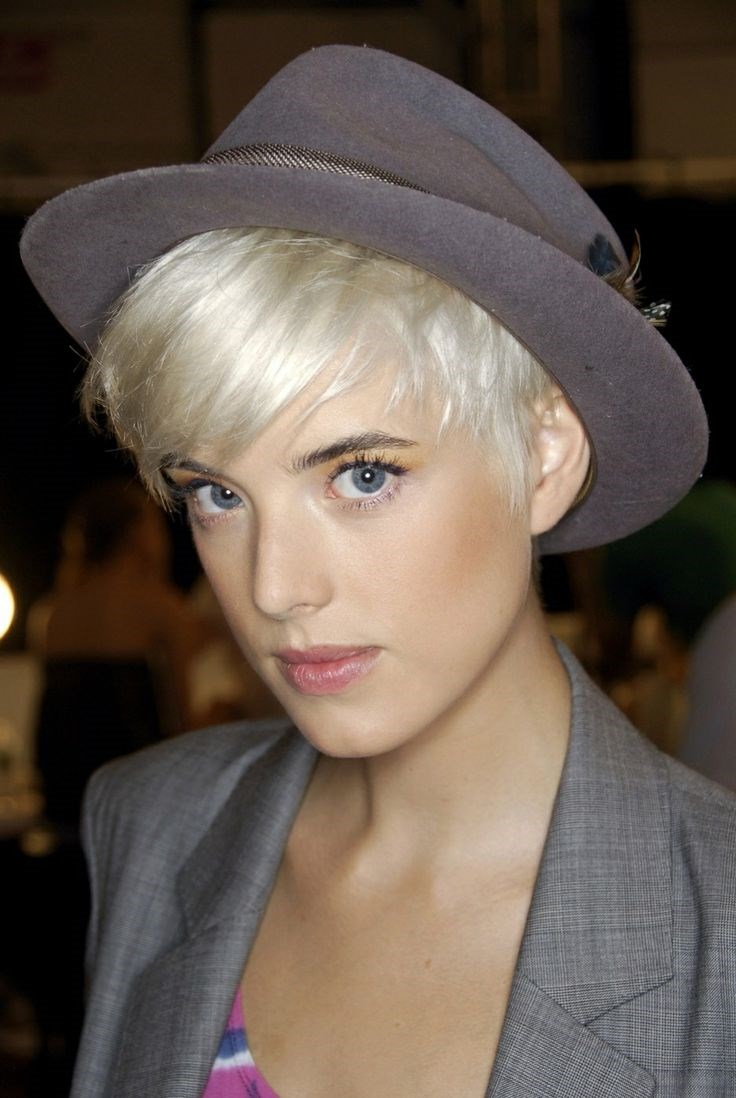 23 Hairstyles That Were Made For Hat Weather Slice Ca