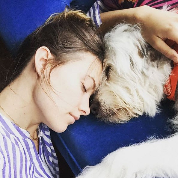 50 Famous Doggie Moms We Just Can't Get Enough of | slice.ca Olivia Wilde Instagram
