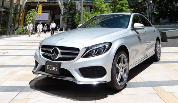 12 cars with the worst one year resale values for Mercedes benz residual value