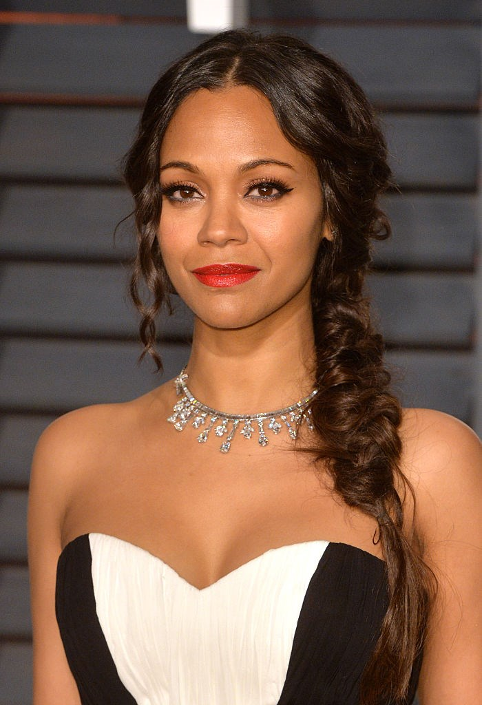 20 Gorgeous Holiday Hair Ideas Inspired by Your Favourite ... Zoe Saldana
