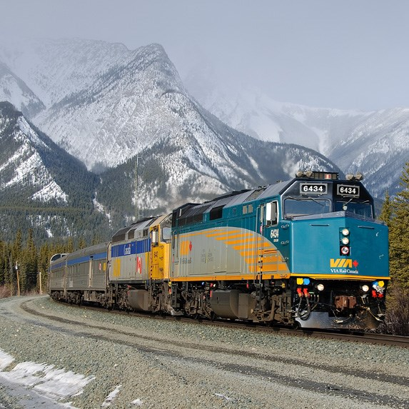 The 20 best train trips in canada for Best train vacations in the world