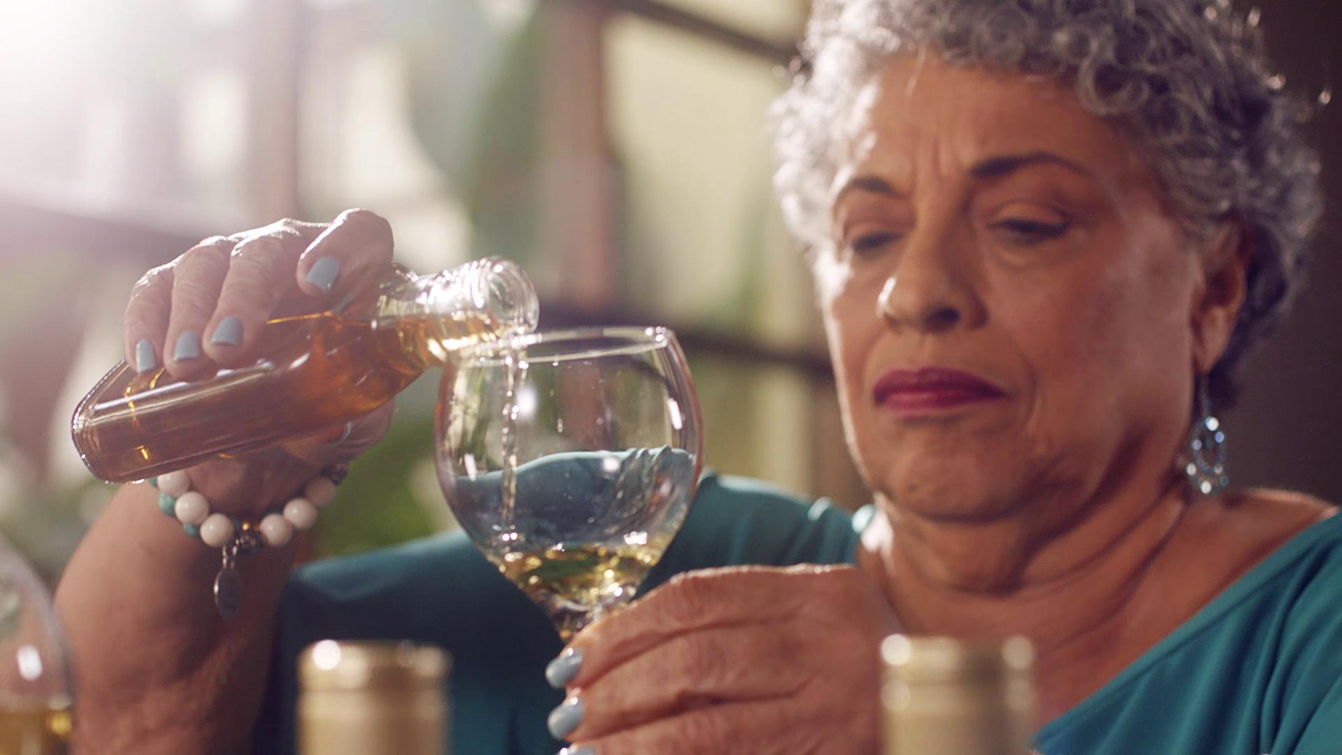 Meet Joy Spence, Appleton's Master Blender. Go to a video page.